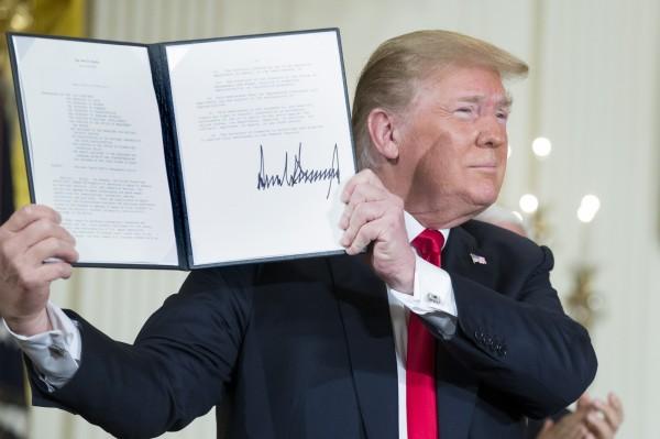 川普宣布將成立美國第六軍種「太空軍」,並強調「美國必須在太空中擁有主宰地位」。(歐新社)