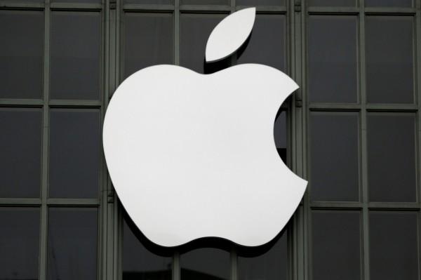 蘋果公司拒絕為澳洲部分用戶維修,因為他們先前已給第三方機構維修過,法院則認定消費者權益受損,判處蘋果須支付900萬澳元罰款(約新台幣2億元)。(路透)