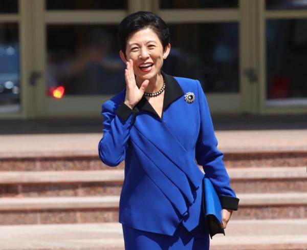 高圓宮久子昨日下午在宮廷人員送行下,於成田機場搭機前往俄國,為選手們加油打氣。(路透)