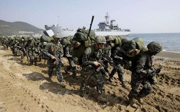 南韓軍方今(20)日宣布原定下週登場的「太極」演習延期,以免刺激北韓。韓軍示意圖。(美聯社)