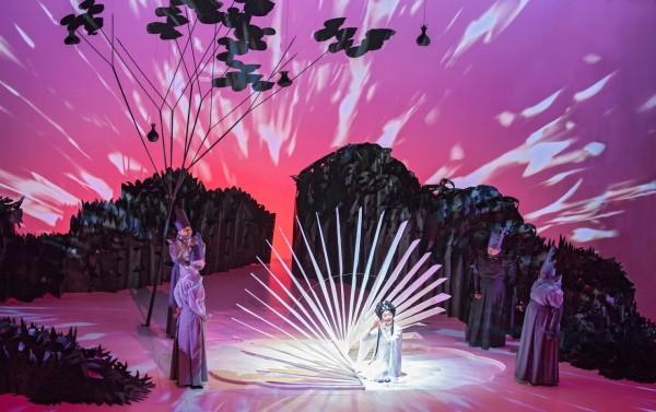 「驚園」融合崑曲與歌劇,聽覺與視覺都是一大創新。 (衛武營提供)