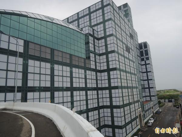 垃圾處理問題又來了!新竹市環保局說,新竹市焚化廠每天協助處理新竹縣150公噸的垃圾,已盡最大處理力,呼籲新竹縣不要把垃圾問題泛政治化。(記者洪美秀攝)