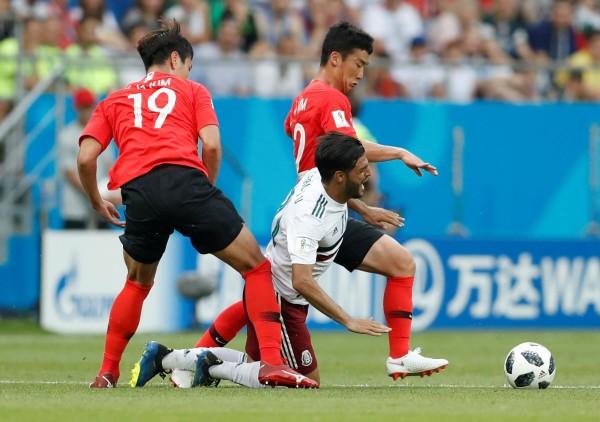 世足賽中,南韓隊經常出奇招,讓對方吃盡苦頭。(路透社)