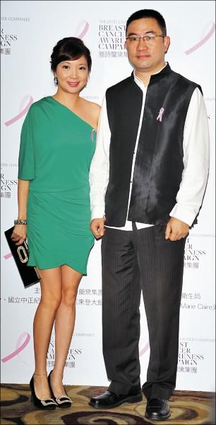 前寒舍餐飲董事長蔡伯府(右)與妻黃閔暄(左),因婚變傳出不少糾紛。(資料照)