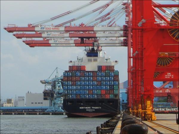 經濟部昨公布去年外銷訂單統計,中國是我國外銷主要競爭對手。(資料照)
