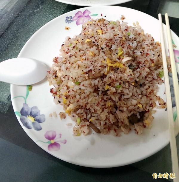 國外的「炒飯症候群」也引起食藥署的注意,食藥署指出,蒸煮或炒過的米飯放置室溫,貯放時間過長是常見污染途徑。(記者吳亮儀攝)