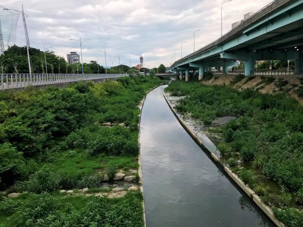 新北市水利局指出,湳仔溝整治工程將在年底完成。(新北市水利局提供)