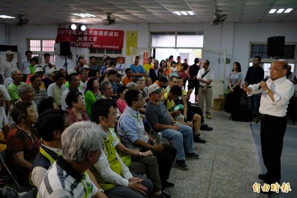 蘇貞昌在市政座談會尋求支持。(記者林欣漢攝)