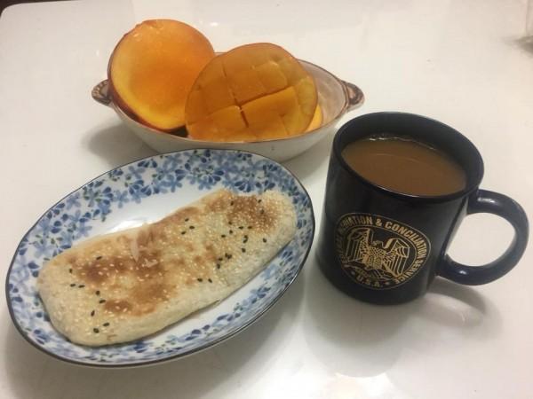 李來希的早餐。(圖擷自李來希臉書)