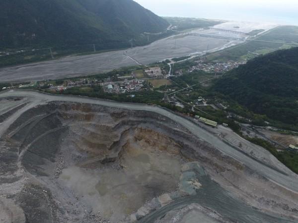 台灣礦業開發破壞環境,環保團體呼籲盡速通過礦業法修正條文,保護環境。(地球公民基金會提供)