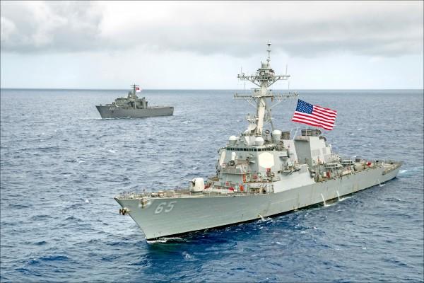 美國兩艘神盾驅逐艦,昨天自我國南部海域行經台灣海峽,並向東北航行。圖為DDG-65「班福特號」。(取自美國海軍官網)