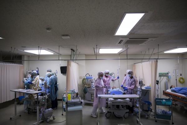 日本福島縣南相馬市在執行胃部X光檢查時,誤讓23名40歲至80歲的男女喝下手部消毒劑。日本醫院示意圖,與本新聞無關。(彭博)