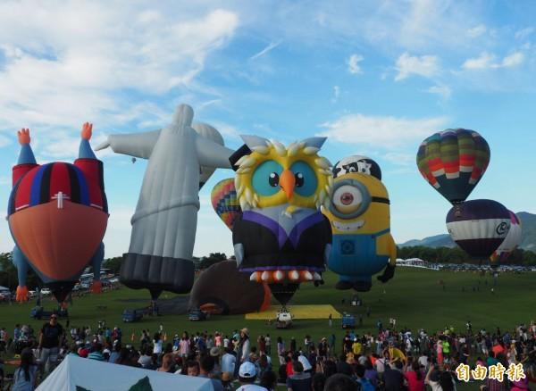 台東熱氣球活動今天照常,明天取消。(記者張存薇攝)