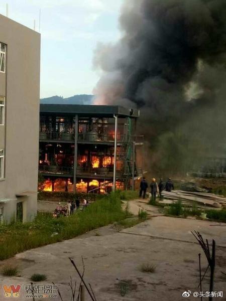 中國四川宜賓市江安縣的工業園區內,一處工廠爆炸導致19人死亡、12人受傷。(圖擷取自微博)