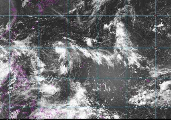 吳德榮表示,此二熱帶擾動受眾多因素相互影響,預報難度相當高。(擷取自NOAA)