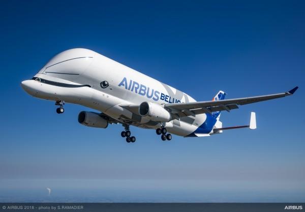 維妙維肖的鯨魚塗裝,起飛後就彷彿一條大白鯨在天空翱翔。(圖擷自空中巴士官網)