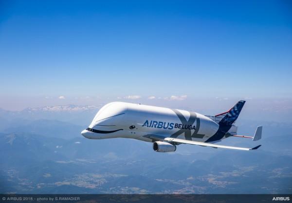 歐洲空中巴士公司日前推出全新的「超級大白鯨」運輸機,今日首度起飛。(圖擷自空中巴士官網)