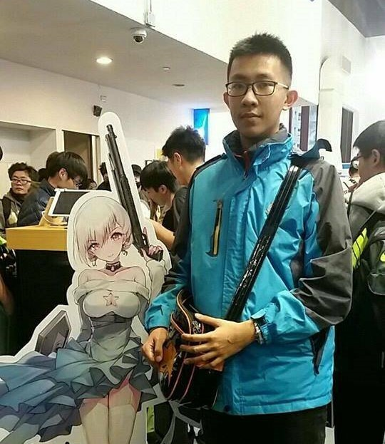 新竹市實驗中學學生吳揚禾參加大學指考,考出452.95分,是新竹地區二類組榜首,將以台大電機系為第一志願。(照片由學校提供)