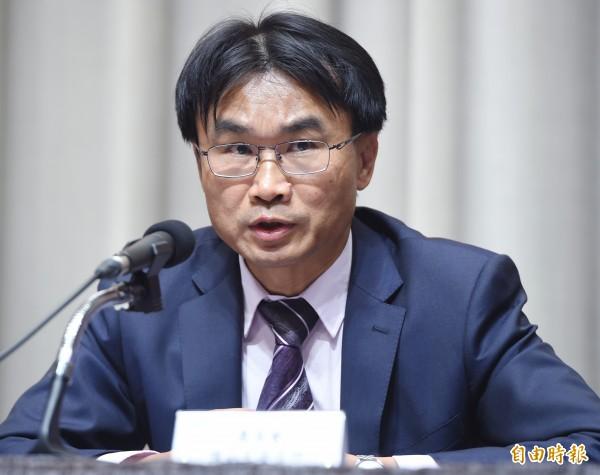 農委會副主任委員陳吉仲今天說,北市府同意擔負大台北農產品供需通路正常等再談股權。(資料照,記者廖振輝攝)