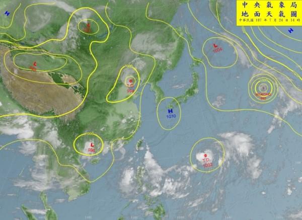 而菲律賓東方海面又形成一熱帶性低氣壓準颱風「雲雀」,這幾天可能會成為輕度颱風。(圖擷取自中央氣象局)