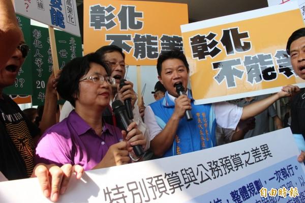 國民黨彰化縣長參選人王惠美,近月來不斷打出要把彰化鐵路高架化納入前瞻2期的訴求。(記者張聰秋攝)