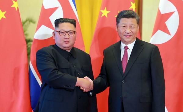 韓戰停戰協定締結65年週年,北韓領導人金正恩在此之前,到訪已故中國領導人毛澤東之長子毛岸英墓地,獻花憑弔。示意圖。(法新社)