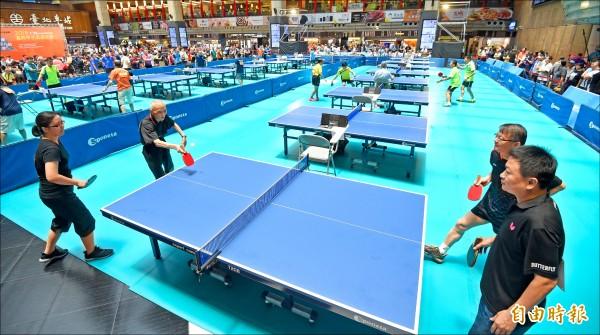 2018富邦甲子盃桌球賽28日在台北車站大廳舉行。(記者劉信德攝)
