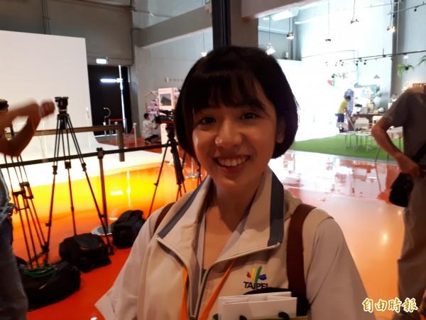 台北市長柯文哲的幕僚「學姐」黃瀞瑩,今(29日)和柯文哲一起到新竹市跑活動。(記者洪美秀攝)