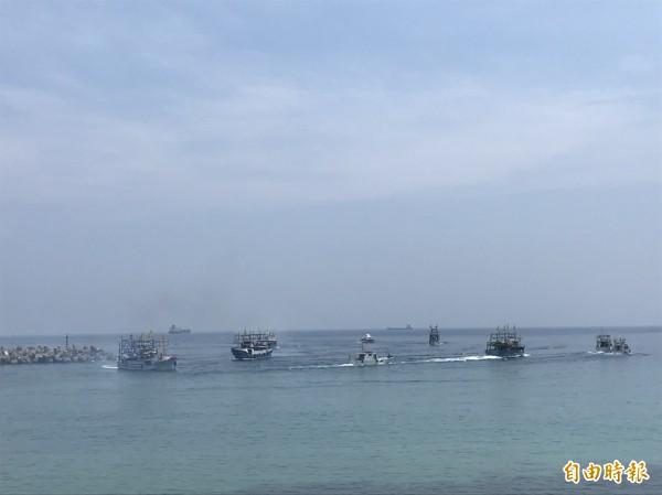 外木山王爺海上遶境文化祭今天登場。(記者俞肇福攝)