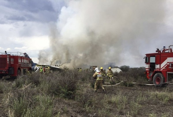 墨西哥一架班機於台灣時間今天清晨4時許,傳出墜毀意外。(美聯社)