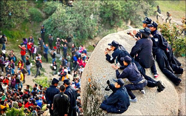 中國監控西藏人民,將支持西藏自治列為犯罪,。(路透)