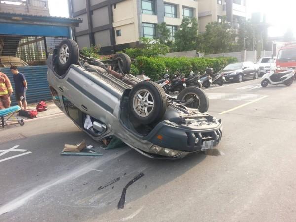 車禍現場。(記者王宣晴翻攝)  (來源消防)
