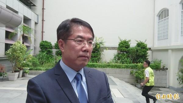 民進黨提名台南市長參選人黃偉哲表示,感謝總統蔡英文及陳菊為了黨內團結出面協調。(記者劉婉君攝)