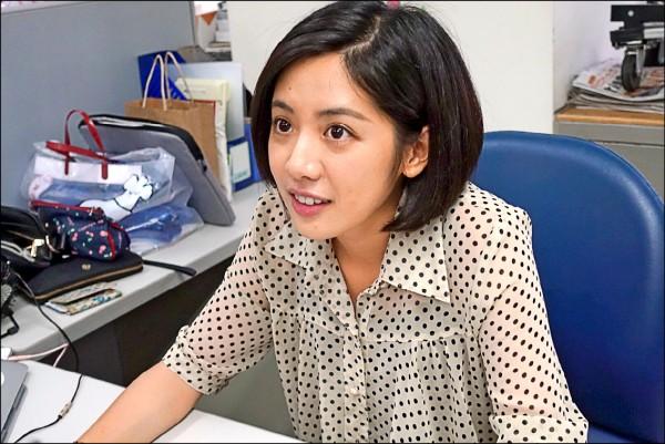 台北市長柯文哲昨又爆出「點閱破千萬,學姊陪吃飯」,再遭批「物化女性」;圖為「學姊」黃瀞瑩。(資料照)