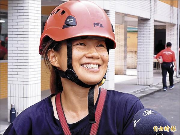 吳欣芹說,在參與救人過程中感受到山區搜救很缺人,也需要更多專業人才加入,因此希望可以貢獻自己一份力量。(記者朱沛雄攝)