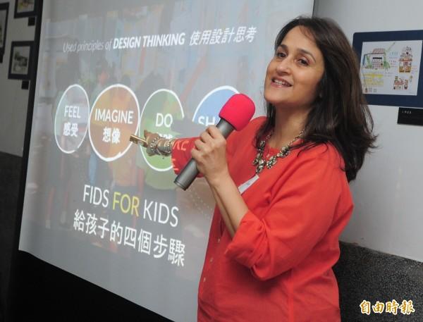 台灣今年年底將首次主DFC(Design For Change)國際年會,除了發起國印度之外,這是亞洲第一次主辦,《三個傻瓜》電影最末的理想學校「印度河濱學校」校長Kiran來台先暖身,今天與我國教師展開近距離的座談。(記者王藝菘攝)