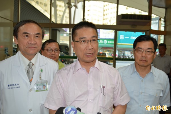 墓地種電被外界認為會「吵死人」? 內政部長徐國勇認為想太多!他說,如大家去看過太陽光電就知道,是很安靜的沒有聲音的。(記者湯世名攝)