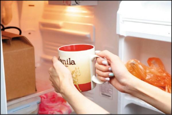 水的溫度不會影響解渴程度,而喝冰水反而會刺激腸胃。(記者陳宇睿/攝影)