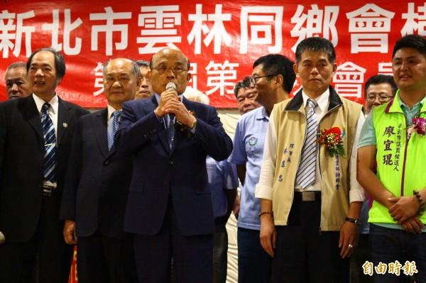 對於侯友宜辦公室提起萬里蟹的品牌,蘇貞昌說,當台北縣長時推動一鄉一特色,包括萬里蟹,並非後來的人註冊不註冊,萬里的螃蟹就會變化。(記者邱書昱攝)