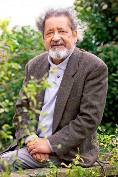 出生於千里達的奈波爾二〇〇一年檔案照,當年他獲得諾貝爾和平獎。(美聯社)
