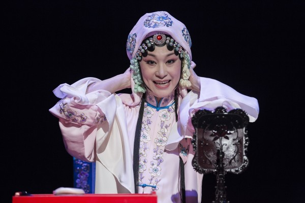 朱安麗為國光劇團當家花旦演員,工花旦、刀馬旦,嗓音清脆,做表細膩,有著傳統京劇的功底紮實,在京劇小劇場、新編京劇擔綱主演,成為重要的創新實踐者。 (台北市文化局提供)