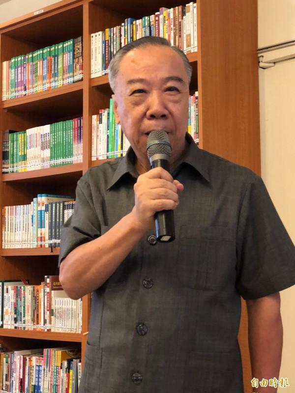高檢署檢察長王添盛今天主持媒體茶敘,說明高檢署查緝毒品行動的成果。(記者錢利忠攝)