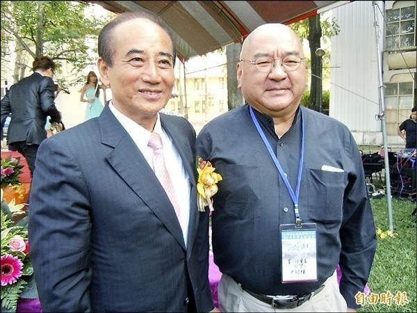 潤泰集團總裁尹衍樑(右)和恩師王金平(左)。(資料照)