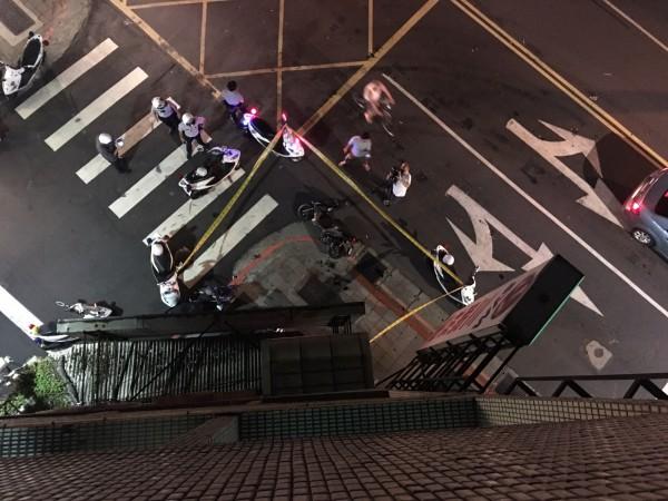 在香港有「犯罪家族」之稱的黃氏家族,其62歲大哥黃桂芬昨(16)日下午才因一項犯罪出庭交保,沒想到晚上10時許就墜樓身亡。示意圖。(資料照)