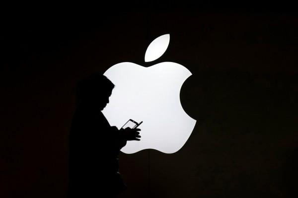 澳洲一名16歲少年坦承,長期駭進蘋果公司在美國總部的電腦主機,竊取客戶資料和商業機密等敏感資料。(路透)