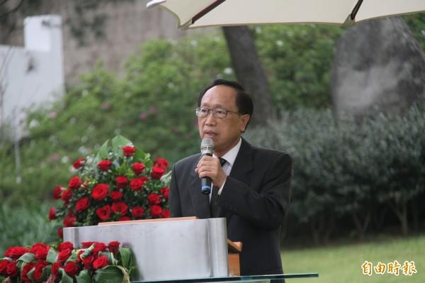 馬英九挺慰安婦要日本道歉,學者李筱峰諷:也應設軍中樂園銅像。(資料照)