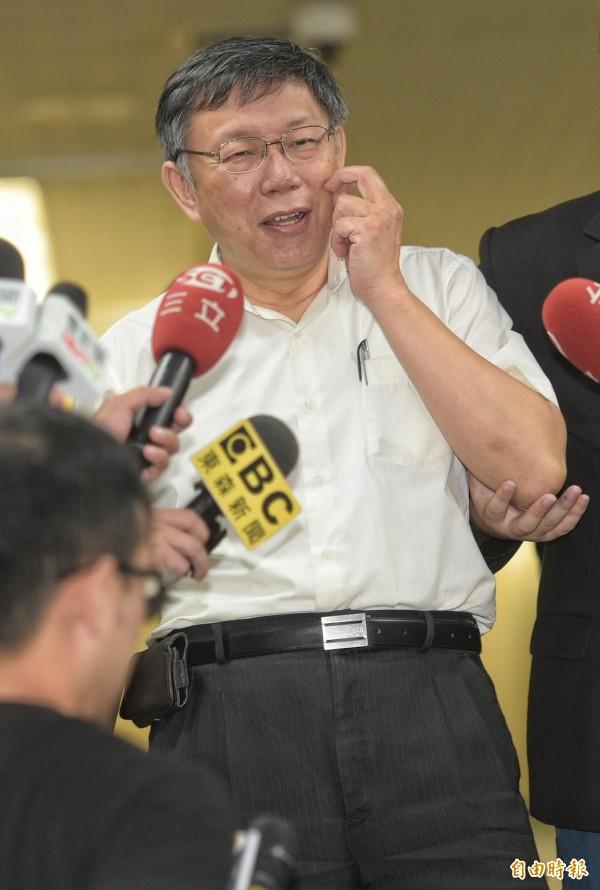 台北市長柯文哲21日受訪談兩岸外交角力與夫人陳佩琪等議題。(記者張嘉明攝)