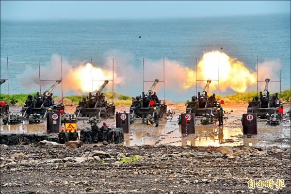 各式重砲共計射擊216發砲彈。(記者蔡宗憲攝)
