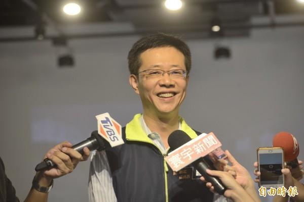 民進黨新北市長參選人蘇貞昌遲未與台北市長參選人姚文智合體,傳出民進黨主席蔡英文對此頗有微詞。蘇系立委張宏陸今天表示,這是分裂民進黨團結的謠言。(記者賴筱桐攝)