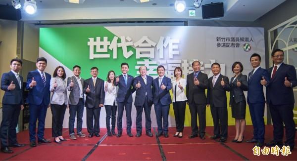 新竹市長林智堅將率12名市議員參選人,組「幸福特攻隊」,明天要前往市選委會,辦理聯合登記。(記者洪美秀攝)